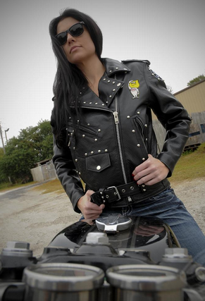Sexy chick in leather gases herself - 5 3