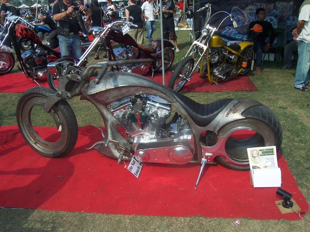 Hubless Bike built by Hot Rod Pattaya of Thailand