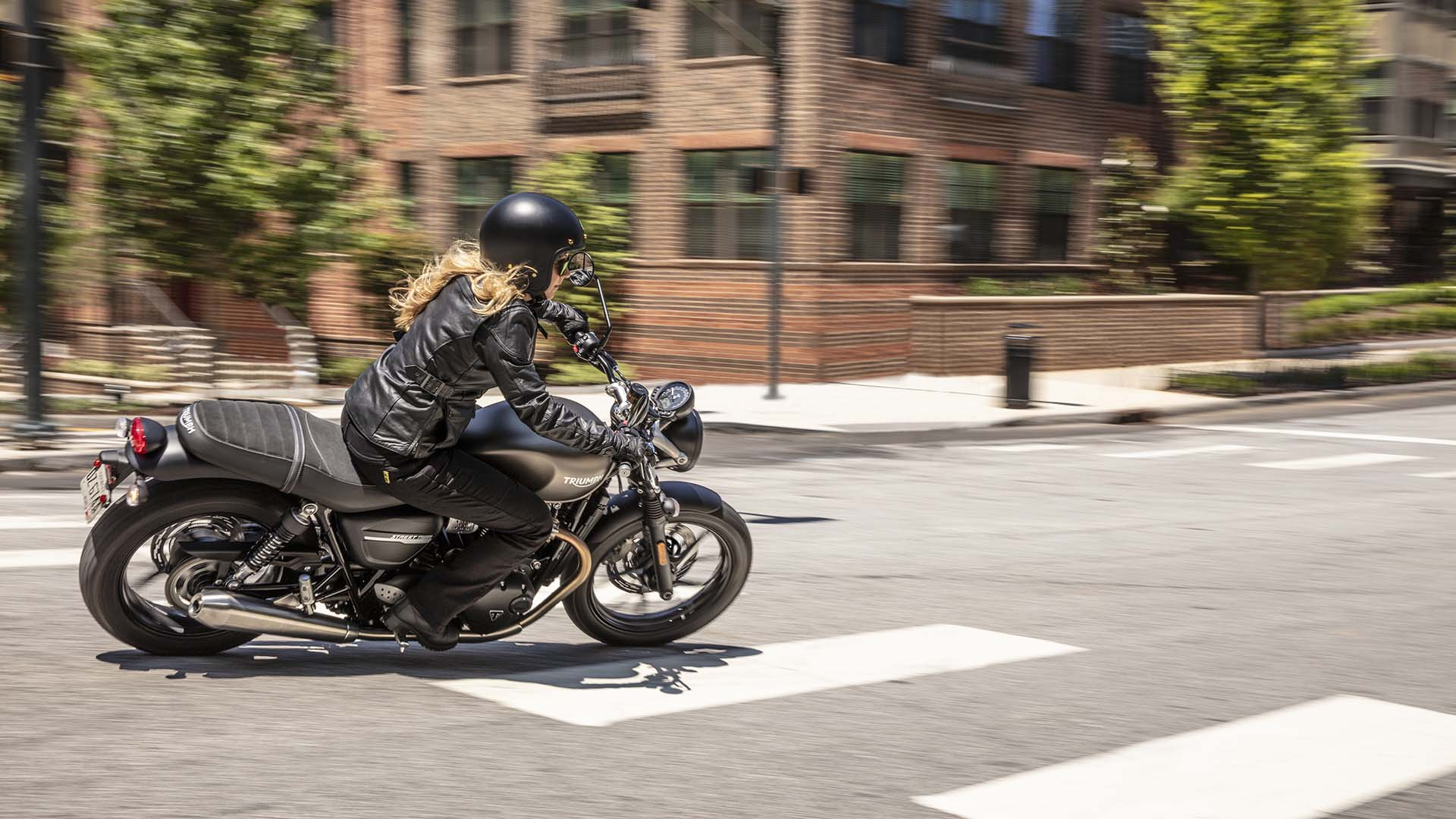 2019 Triumph Street Twin Hero Image