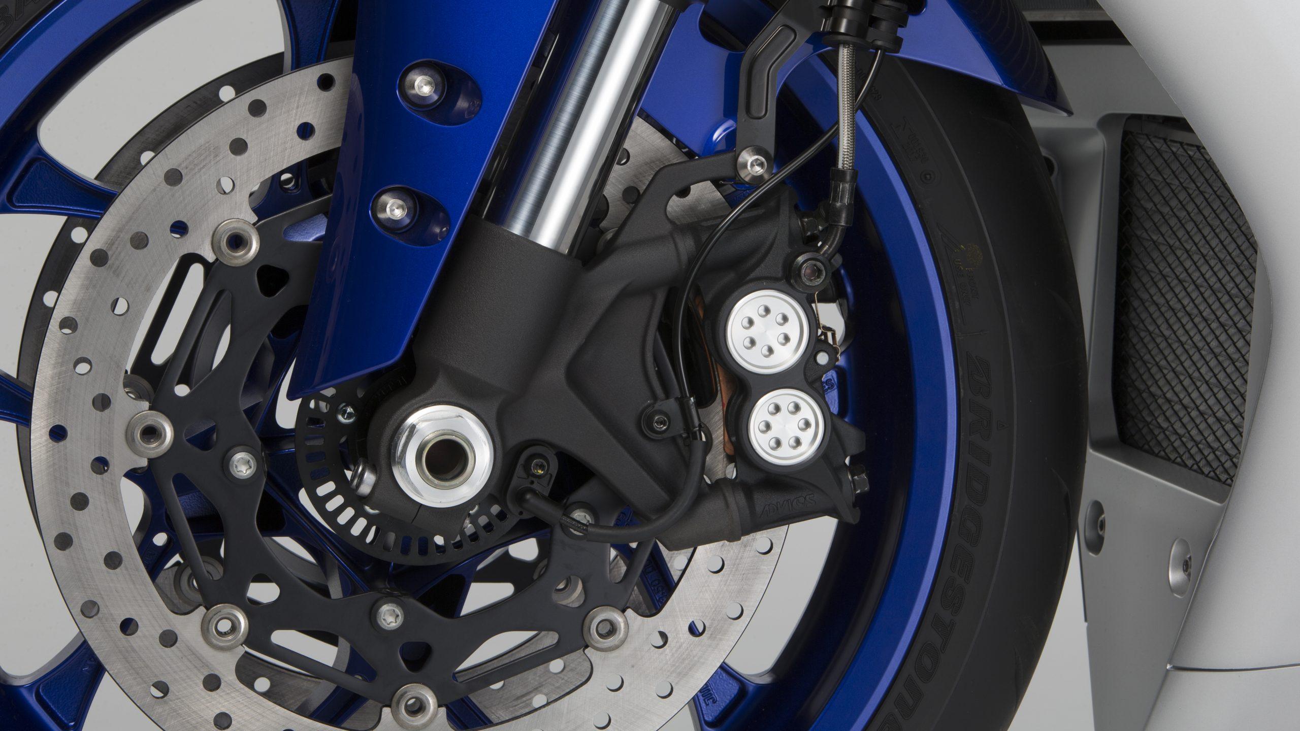 Stock 2020 Yamaha YZF-R1 brakes
