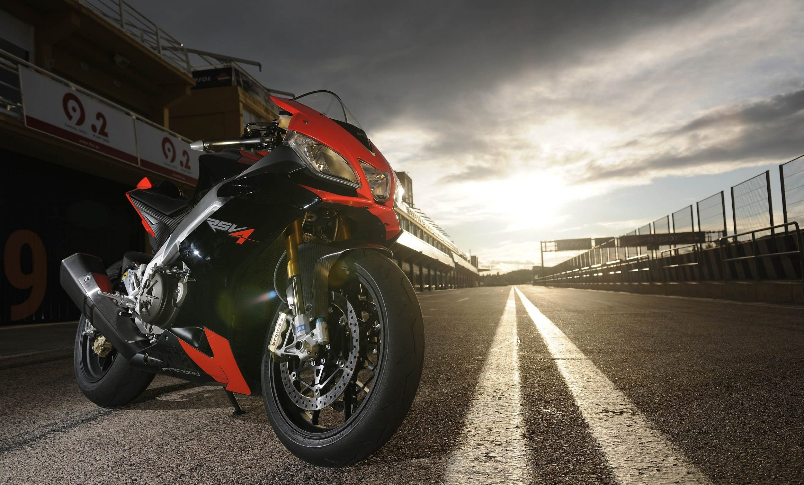 Aprilia Motorcycle Wallpapers