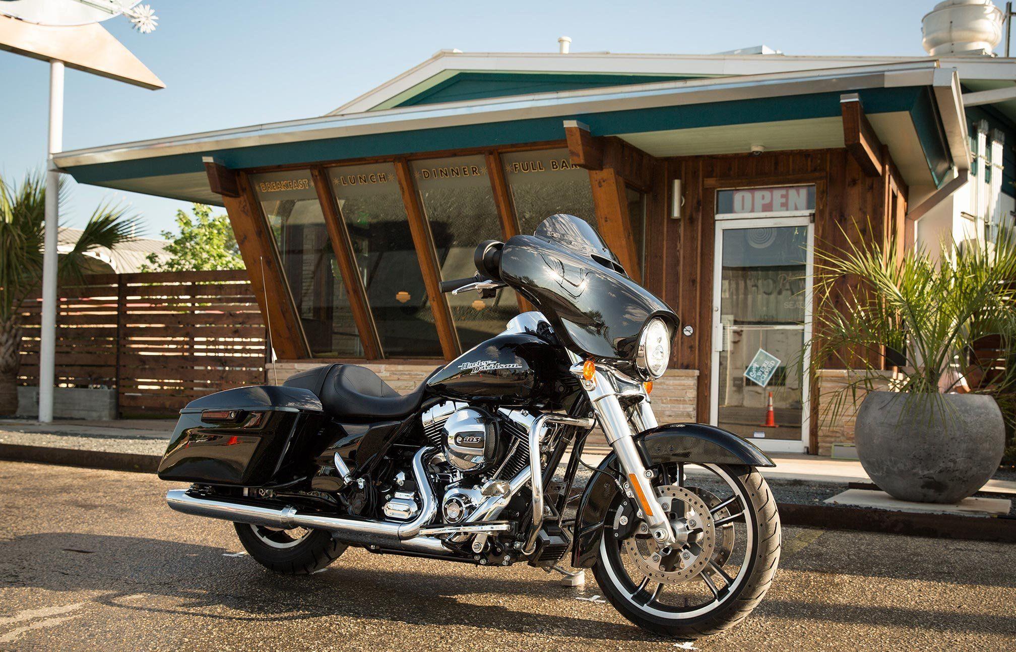 Harley Davidson Street Glide Wallpapers