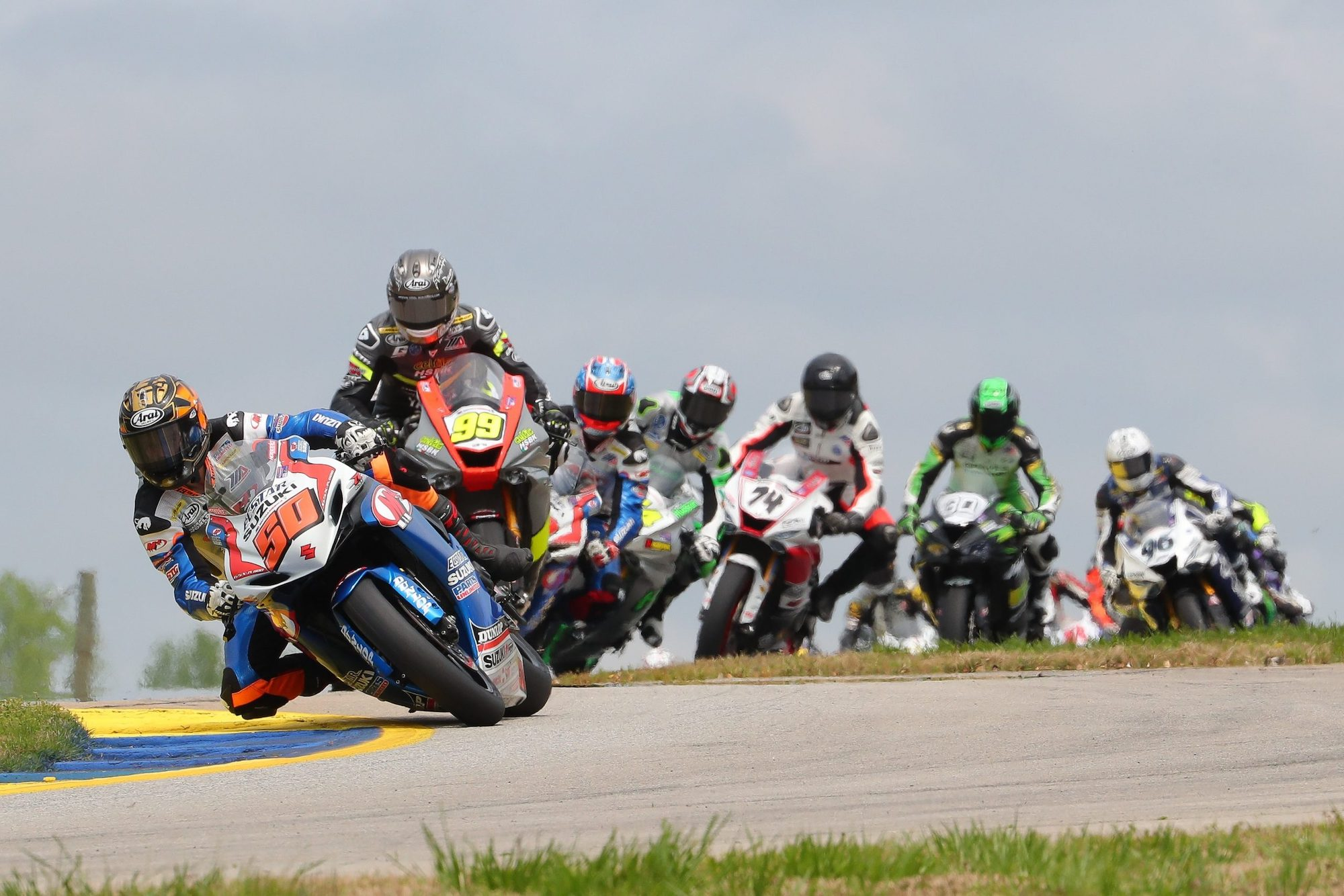 A view of MotoAmerica Superbikes class racing at Road America 2021