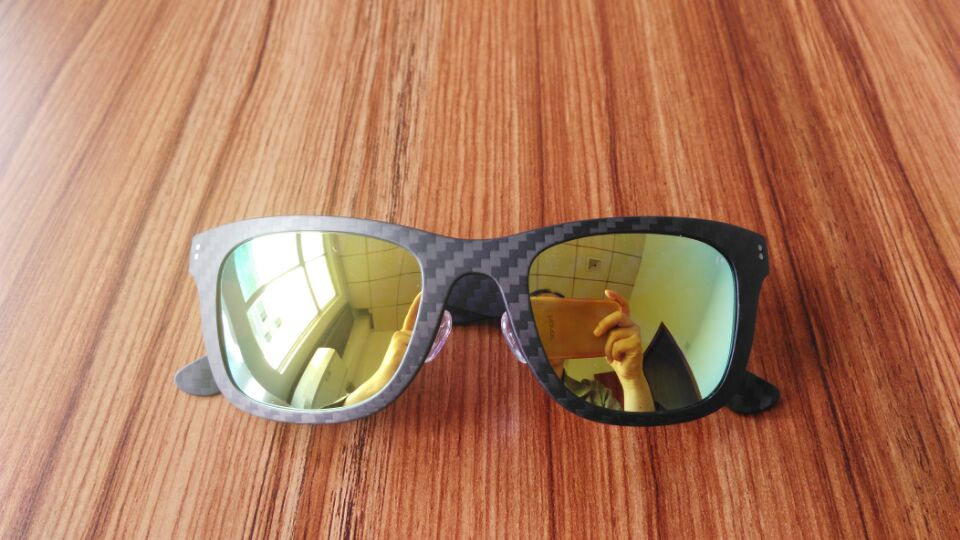 carbon-fiber-sunglasses-600-1