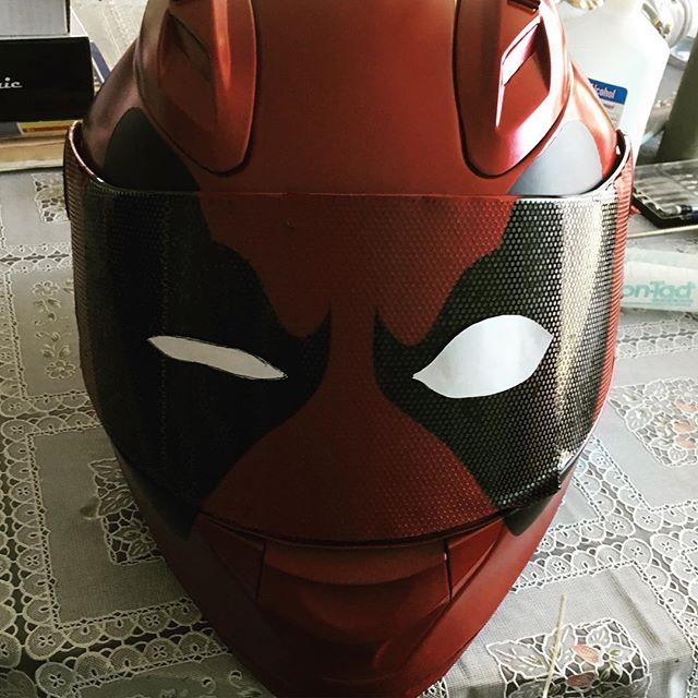 Custom Welding Helmets >> Deadpool Motorcycle Helmets