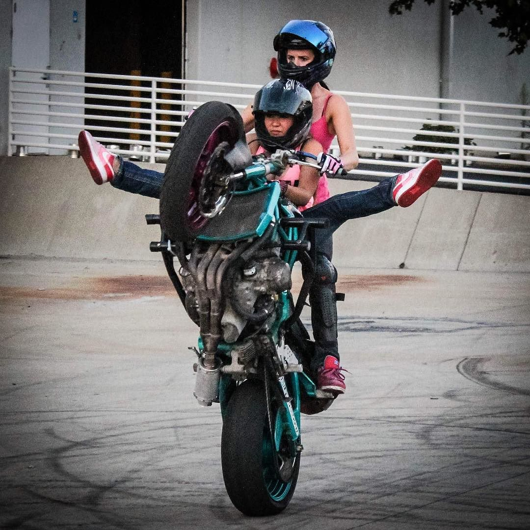 Real Motorcycle Women - robynstunts